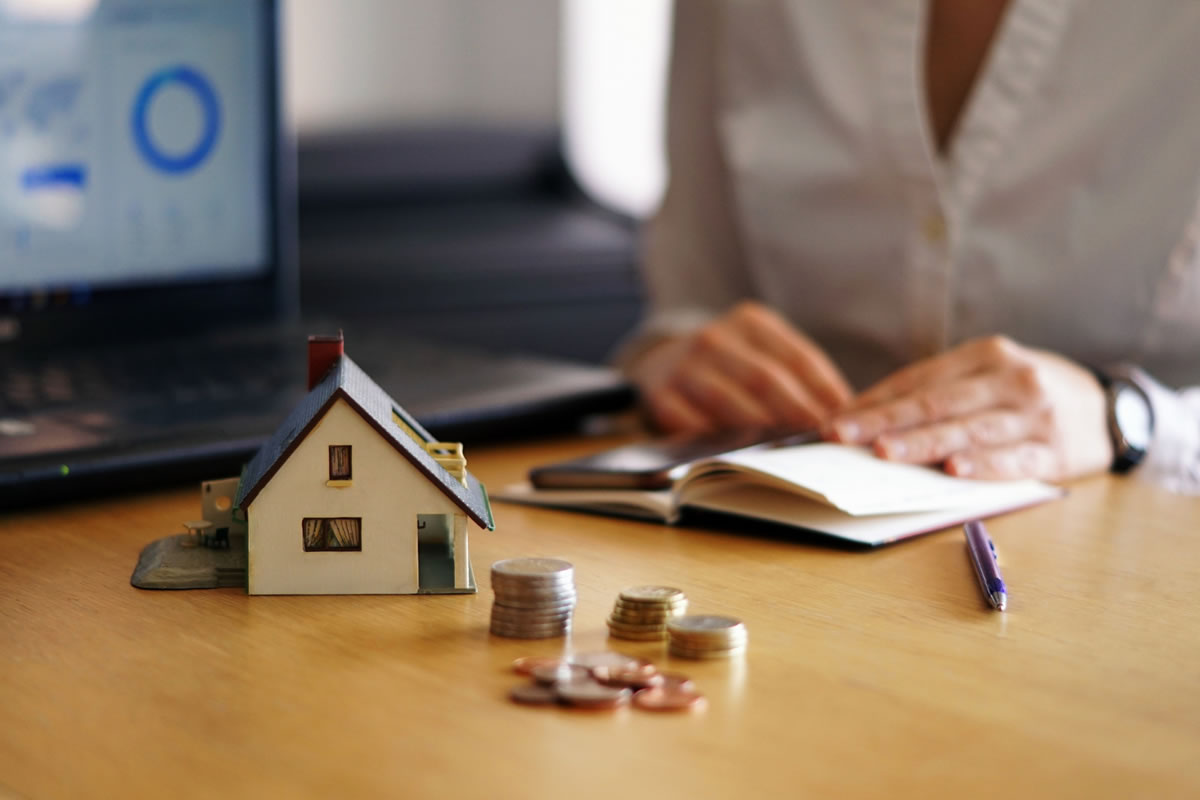 Five Tips to Managing Your Apartment Finances